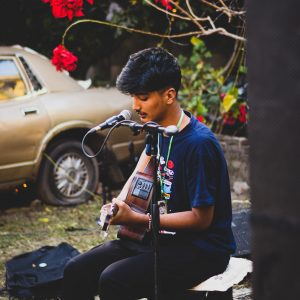 Laakhau Hajarau Lyrics and Guitar Chords